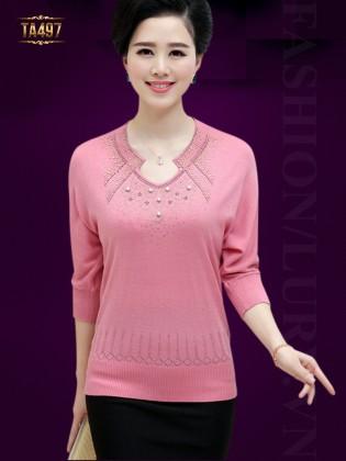 Áo len trung niên đính hạt cao cấp màu hồng TA497