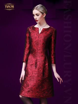 Đầm gấm hoa hồng đỏ dài tay cổ xẻ cao cấp TV526