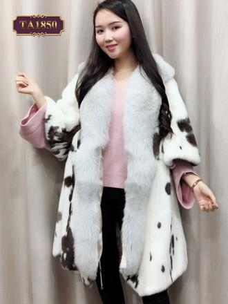 Áo khoác lông dáng dài tay lỡ họa tiết đốm độc đáo TA1850